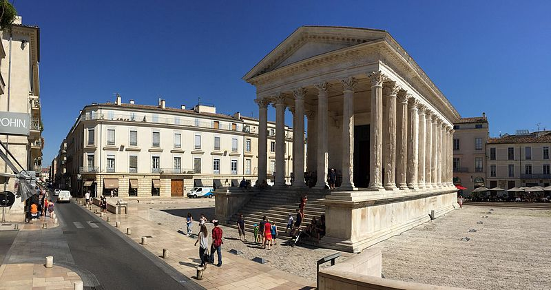nimes old town