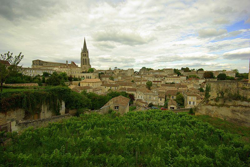 saint emilion wine country
